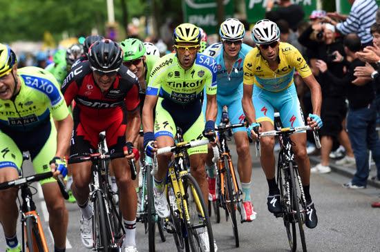 Hoy se dio el primer duelo entre Contador y Nibali, en las montañas.