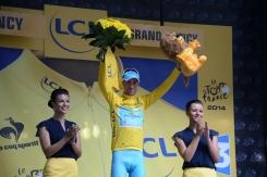 Aunque Vinokourov había dicho que no les importaría cederlo, el Jersey Oro está de nuevo sobre los hombros de Nibali.
