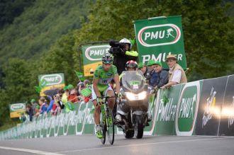 Sagan partió en la fuga inicial, buscaba sumar los puntos de la meta volante, que le favorecía.