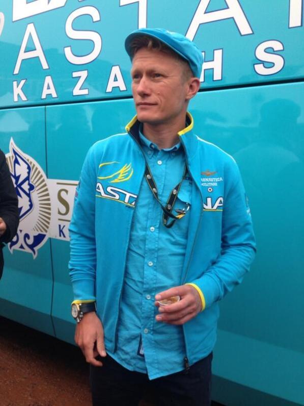 Este es el hombre detrás del liderato. Alexander Vinokourov.