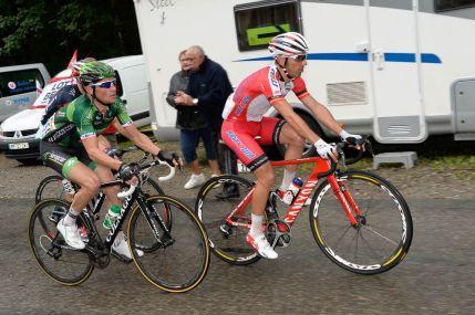 Los duelos iniciales del día se vivieron entre Rodríguez y Voeckler, luchaban por los puntos de los premios de montaña.