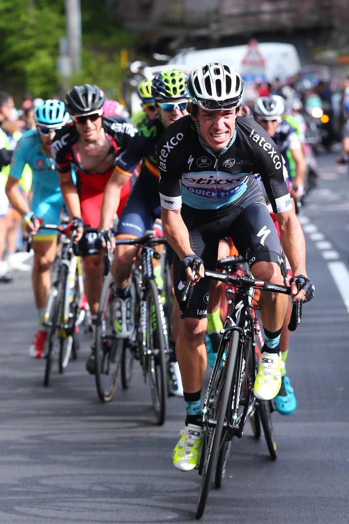 Urán ha pedaleado sin escuadra, en contra de la superioridad numérica de Tinkoff y Astana que parecen tener el doble de corredores que el resto (foto: © Tim De Waele)