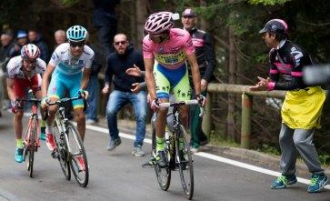 """Contador """"careo"""" varias veces a Aru. El italiano lo respetó. Los fanáticos nos quedamos sin ver un duelo más fuerte."""