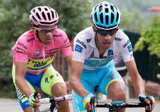 Hasta el momento, Aru ha sido el que ha dado siempre la batalla, atacando a Contador.