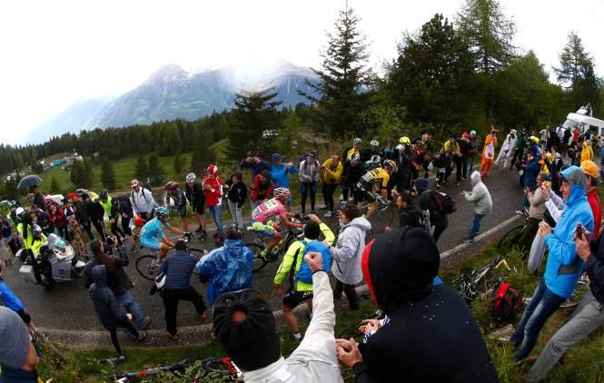 El trío de potentes punteros que cerraron la etapa con gran demostración. Kruijswijk, Contador y Landa.