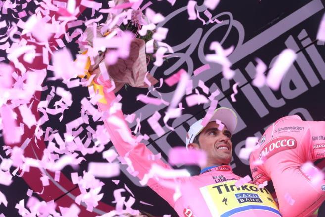 Contador sigue vestido de Rosa. Jamás en su carrera, el español ha perdido un liderato de una Grand Tour.