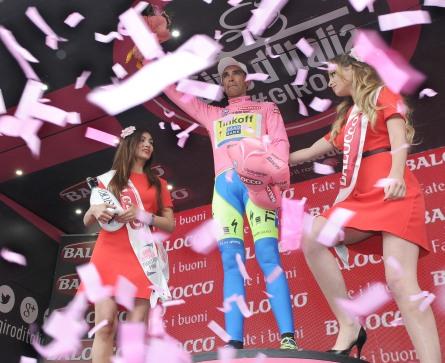 Contador, fiel a su tradición, no ha cedido el liderato, aún a pesar de la lesión que arrastra hace dos etapas.