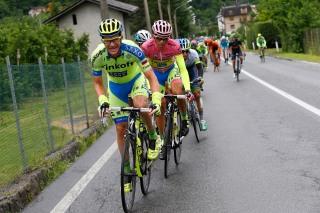 Contador tuvo ayuda de su equipo mientras persiguió al Astana, después del pinchazo. Después, se fue solo contra todos.