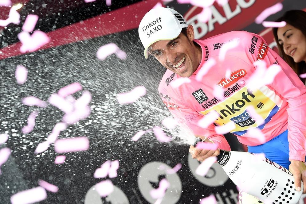 Contador ya no oculta su optimismo. Caídas, lesiones, el ritmo del Astana, nada ha podido con el español.