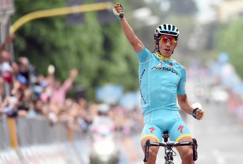 El Veterano Paolo Tiralongo cerró la novena etapa con brutal contundencia.