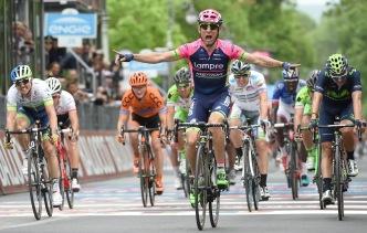 Diego Ulissi, del Lampre, triunfa en las calles de Fiuggi.