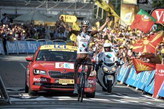 Romain Bardet obtiene su primera victoria en el Tour de France.