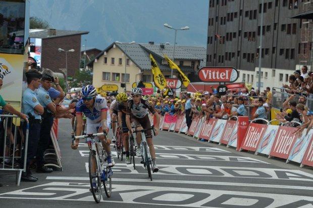 Thibaut Pinot, ocupó el 4º lugar de la etapa, por delante de Romain Bardet.