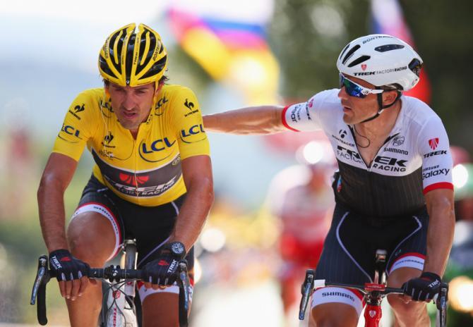 Cancellara perdió el Maillot Jaune y abandona la carrera.