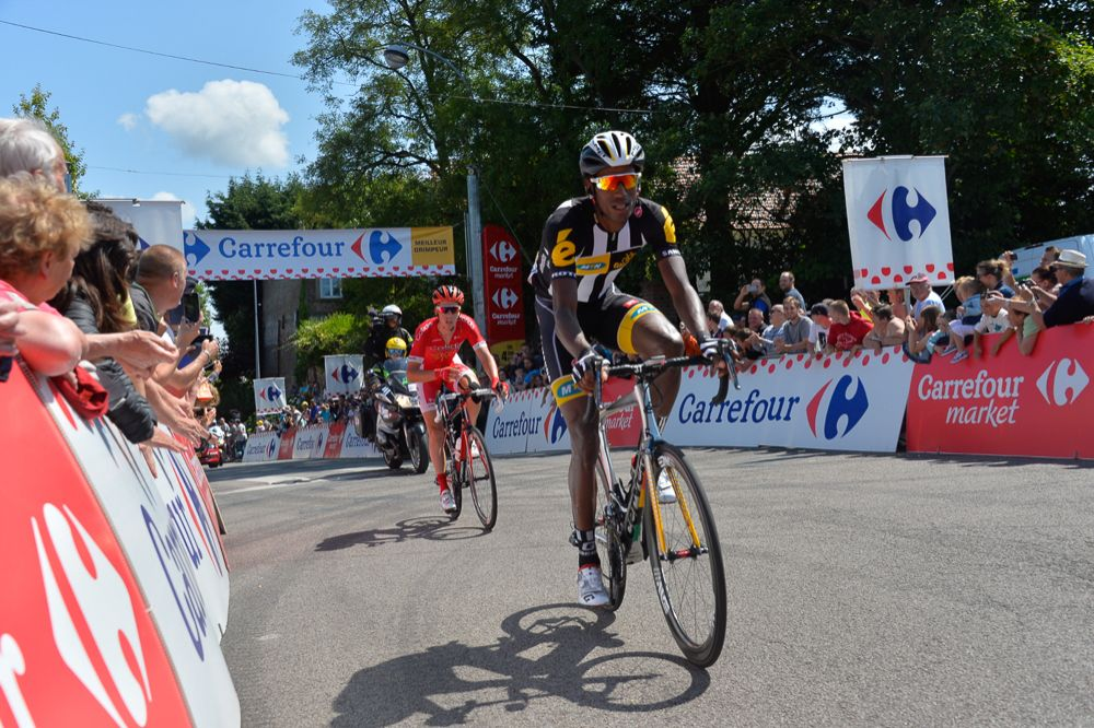 Daniel Teklehaimanot pasó primero por cada uno de los premios de montaña de la jornada.