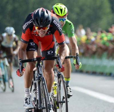 Greg Van Avermaet disputa el sprint final con Peter Sagan.