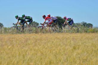 Mark Cavendish, volvió al ruedo luego de su última victoria en el Tour de France de 2013. Con esta, suma a su palmarés la victoria de etapa #26 en la Grand Boucle. Una victoria muy oportuna, que levanta los ánimos de su equipo, luego de haber perdido el día anterior al que era líder, Tony Martin. Rigoberto Urán se ubica en la 6a posición de la tabla general, siendo el mejor de Los Escarabajos, quedando bien posicionado de cara a lo que será la segunda semana de competencia.