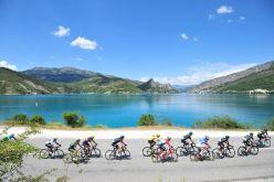 Los Alpes recibieron la caravana del Tour.