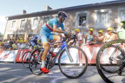 Nibali en su ascenso al Muro de Huy.