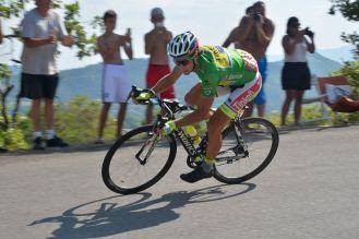 Peter Sagan dio unas clases de técnica de bajada, en los últimos kilómetros de la etapa.Peter Sagan dio unas clases de técnica de bajada, en los últimos kilómetros de la etapa.