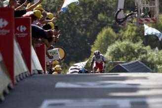 """""""Purito"""" en los últimos metros del Muro de Huy. Ganó la 3a etapa y se quedó con la camisa de pepas rojas."""