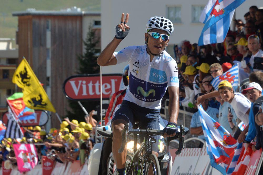 Dando gracias al cielo, llegó Quintana al Alpe d'Huez.