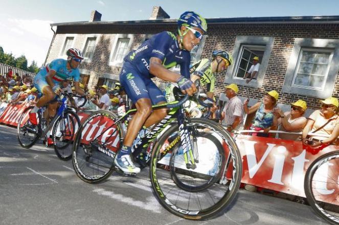 Quintana en su ascenso al Muro de Huy. Ocupó la 9a posición en la etapa del día de hoy.