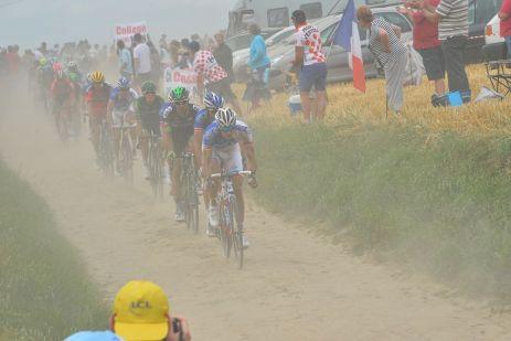 """El pavé recuerda la clásica París Roubaix, """"El Infierno del Norte""""."""