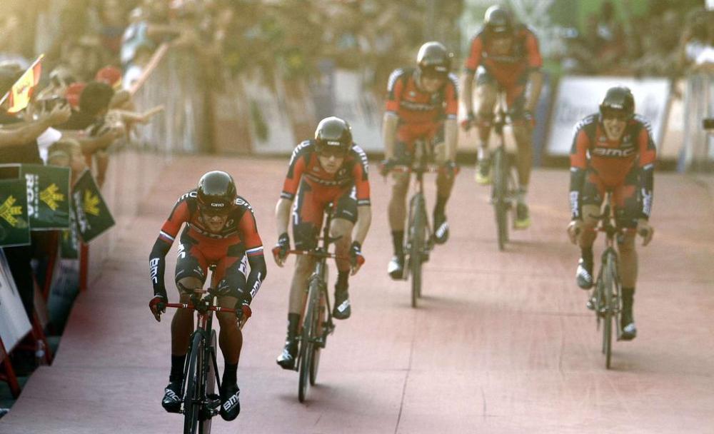 Equipo BMC, ganador de una etapa extrañísima en Marbella.