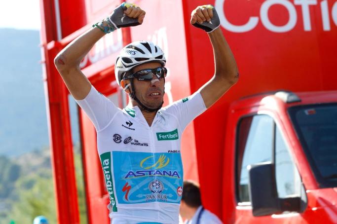 Aru tiene un segundo y un tercer lugar en el Giro y ahora un campeonato en La Vuelta. Igual número de podios que Quintana.