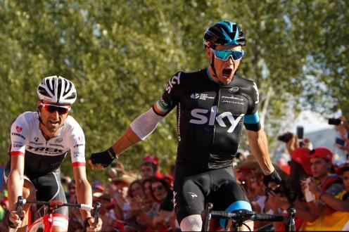 El segundo de la dinastía Roche celebró el primer triunfo del Team Sky.