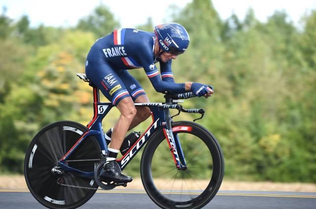 La sorpresa la dio Jerome Coppel, que le da la segunda medalla en la historia a Francia, en la crono individual élite.