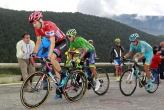 Chaves marcó muy bien la rueda del entonces líder, pero no evitó caer a la quinta posición de la general.