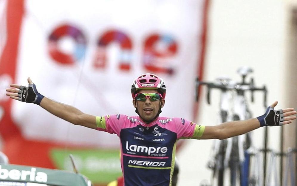 Oliveira, campeón nacional portugués de contrarreloj, consiguió su primer triunfo en una grande, cabalgando en solitario durante 18kms.
