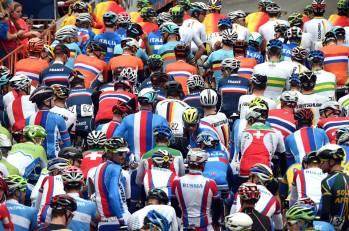 Los colores de la partida. En la parte superior, el equipo colombiano, comandado por Urán.