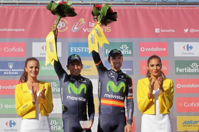 Quintana y Valverde, podio por equipos de la etapa.