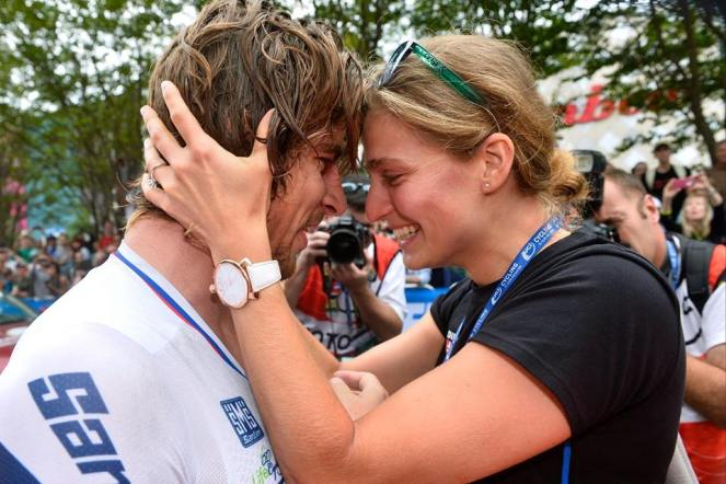 Katarina estaba en meta para esperar a Sagan, nuevo campeón del mundo.