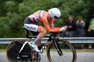 Van der Breggen lució impecable, pero tuvo que conformarse con la plata.