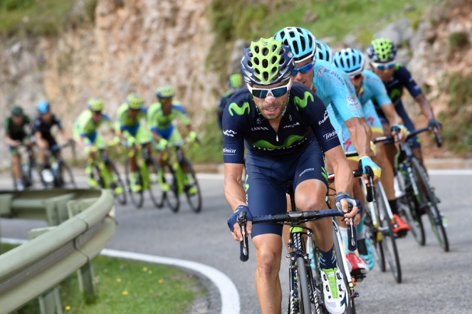 Giovanni Visconti llevó un paso violento, durante la última escalada del día. Fue el último hombre de Quintana.