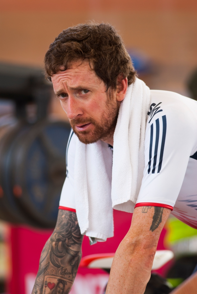 Sir Bradley Wiggins lleva a su equipo a clasificar a los duelos de la persecución masculina. Día 1. Copa Mundo de Ciclismo de Pista. 2015 © LaCadenilla.com