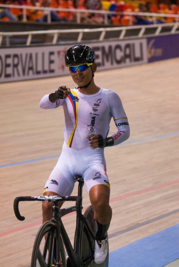 Inteligente, como siempre, Edwin Ávila se alza con la medalla de bronce en la prueba por puntos. 2015 © LaCadenilla.com