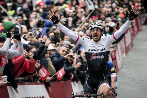 Con prestancia, ganó Cancellara la Strade Bianche.