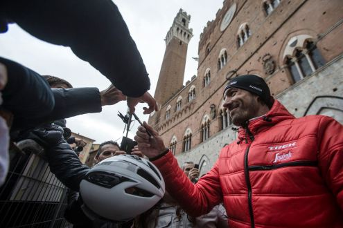 Cancellara fue el héroe de la jornada en Siena.