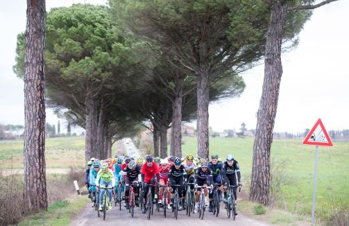 Cada año, vísperas de la primavera, la Toscana se viste de gala para recibir la Strade Bianche.