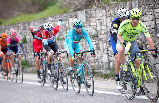 Nibali no tuvo un buen día, y terminó trabajando para Fuglsang.