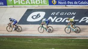 Hayman sigue la rueda de Boonen. El veterano gregario no estaba en ninguna lista de favoritos. © Handout Etixx Quick Step.