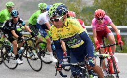 Nairo defiende el maillot amarillo. © Handout Movistar Team