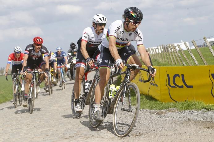 Parigi Roubaix 2016 - 114a Edizione - Compiegne - Roubaix 257,5 km - 10/04/2016 - Peter Sagan (Tinkoff) - Fabian Cancellara (Trek - Segafredo) - foto Luca Bettini/BettiniPhoto©2016