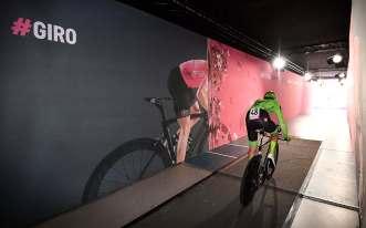 Apeldoorn se vistió de rosa para el arranque de la primera grande del año © Handout RCS Sport