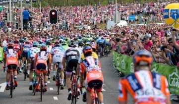 Un espectáculo de amor por el ciclismo, se vivió hoy en Holanda © Handout RCS Sport